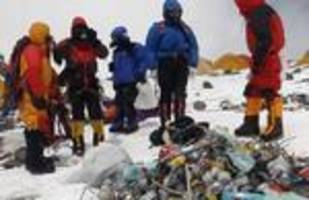 mt. everest climbers told to bring their garbage back down