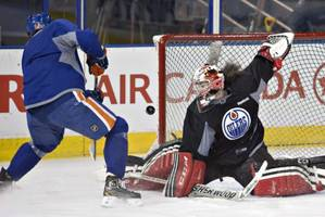 Team Canada goalie Shannon Szabados fills in at Edmonton Oilers practice