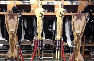 Adam Dunn's locker gets the red carpet treatment post-Oscars